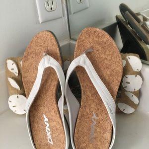 DKNY Easy Wear Sandals
